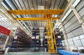Warehouse Storage Crane System
